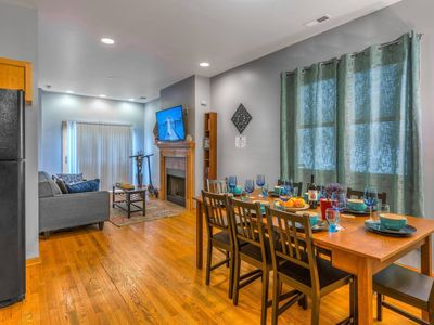 Photo for Sleeps 24 Parking Breakfast Sushi Wine Smoothies $10 off 你好  مرحبا Hola  Bonjour Привет Kamusta perfect for big families, groups & students Apt. G-1-2