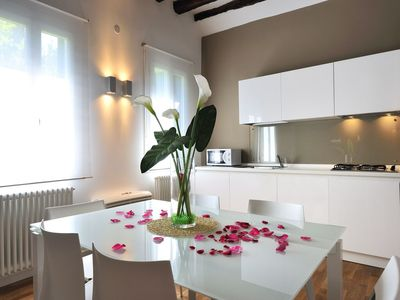 Modern apartment not far from Rialto with wifi