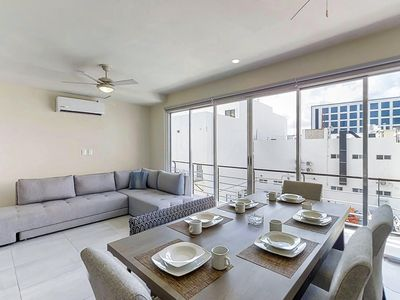 Photo for Spacious apartment w/ great facilities - spa, gym, pool, tennis, & soccer