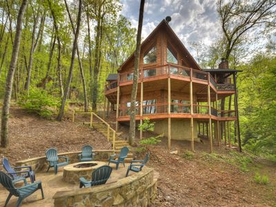 Photo for Find your place in this immaculate 3 bedroom cabin with exquisite views!