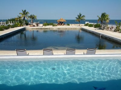 New Infinity pool, saltwater Lagoon directly on the gulf