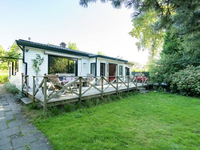 Sunny Cottage in Burgh-Haamstede Zealand with Garden