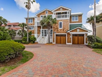 Photo for PRIVATE POOL- 5 bed/4 bath Oceanfront house sleeps 15.  Oceanviews-3700 SF house.