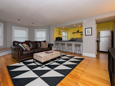 Historic Victorian Apartment, Close to Downtown, Hospital, Capitol