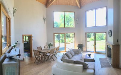 Photo for Lakefront house in private park near Chablis and less than 2 hours from Paris