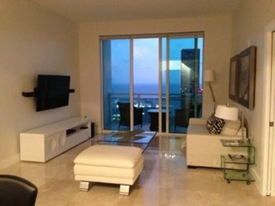 Photo for Apartment in the center of Miami with Air conditioning, Lift, Parking, Washing machine (381076)