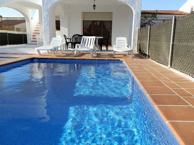 Photo for <![CDATA[CASA DOFI, Ideal house for your holidays near the sea, free wifi, air conditioning, private pool, pets allowed, dog's beach.]]>