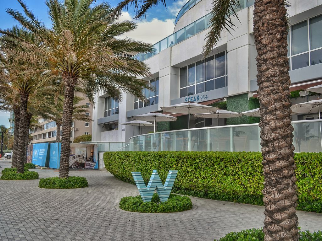 Modern luxury beachfront hotel 2 bedroom with den 3 balconies and views 16 fort lauderdale for 2 bedroom hotels in fort lauderdale fl