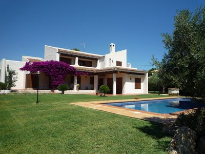 Photo for House 100 meters from the beach with private pool and barbecue