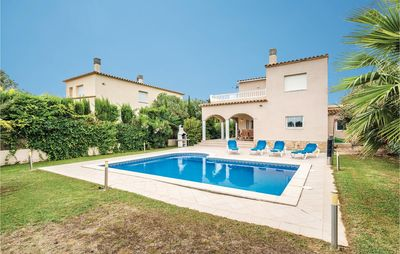 Photo for 4 bedroom accommodation in Sant Pere Pescador