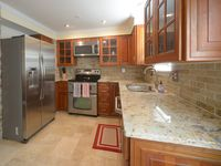 Very nice townhouse for business travelers or couple.
