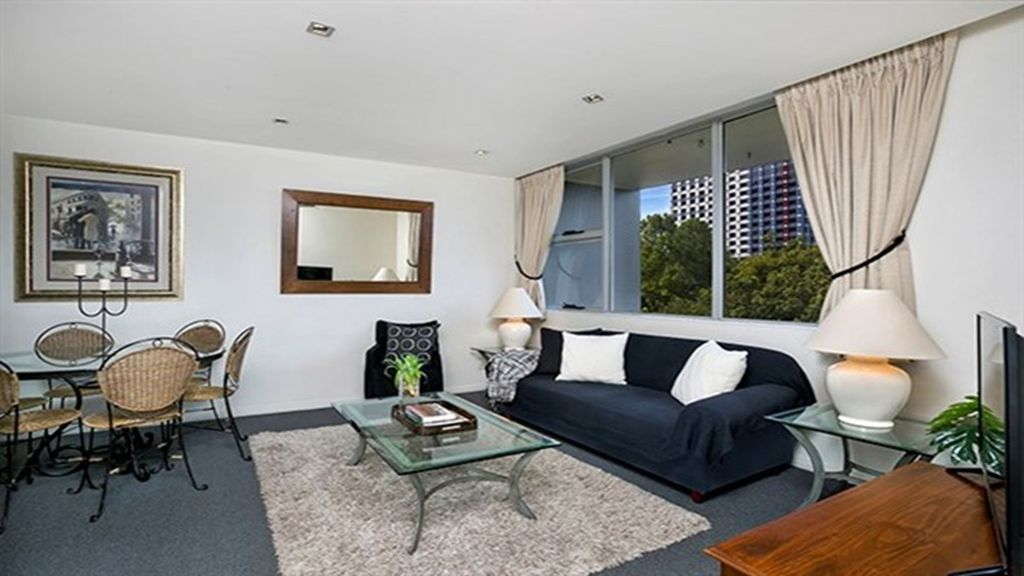 Fantastically Located 1BR in North Sydney BER04