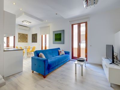 Photo for Stylish 2BR Apart, Steps Away from the Beach