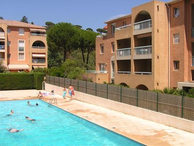 Photo for Apartment with pool for 5 persons in a safe Provencal residence