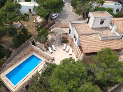 Photo for Detached villa, within walking distance to the sea, pool, renovated in 2018, 5 bedrooms, 4 bathrooms
