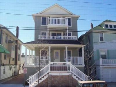 Photo for Beach & Boardwalk Block, 4BR, 2.5BA, 2 car garage, Wi-Fi/Cable, Beach Tags