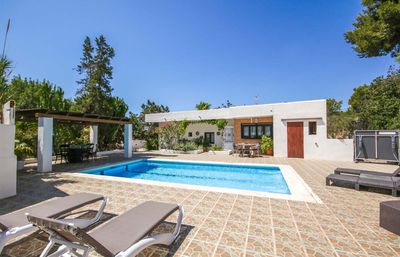Photo for Beautiful house with pool and barbecue, 5 km from Ibiza city, 6 km from the nearest beach, Sa Caleta
