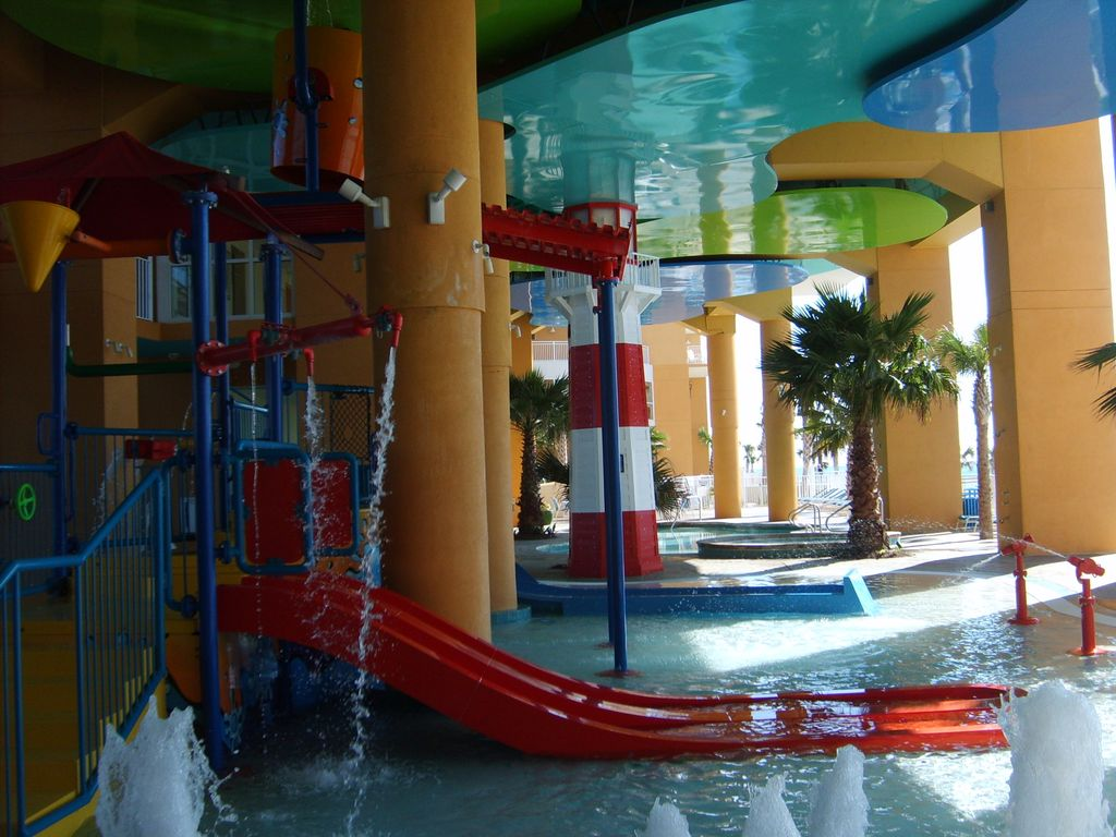 Oceanfront Plus Huge Indoor Waterpark With Beach Chairs Umbrella Service West Panama City Beach