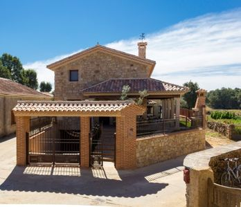 Photo for 5BR Cottage Vacation Rental in Villasrubias, Salamanca