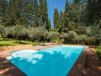 Photo for Tuscan Villa, in Florence, pool, sleeps up to 14, wifi, parking