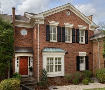 Photo for Spacious 3 BR Louisville Townhouse for Kentucky Oaks & Derby Weekend / Sleeps 6