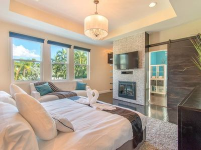 Photo for Hollywood Dream House - 5 Bedroom W/heated Pool
