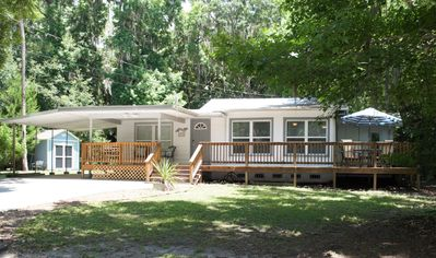 Photo for Updated Cracker Home Close to Water & Attractions