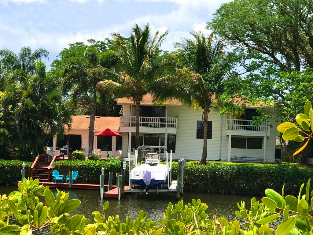 KoKonut Dreaming: NOW AVAILABLE! LUXURY WATERFRONT HOME WITH BOAT ...