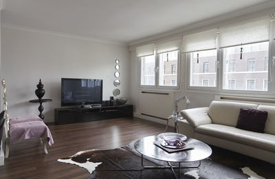 Photo for Modern and airy apartment sleeps 3 in sought-after area near Hyde Park (Veeve)