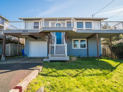 Photo for Enjoy this Roads End home w/ ocean views & hot tub at an affordable price!