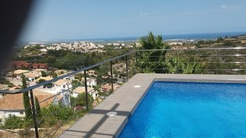Search 3,306 holiday rentals