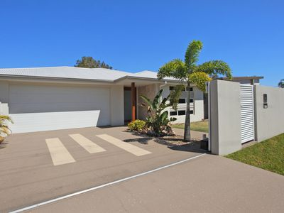 Photo for Private Oasis In Central Coolum