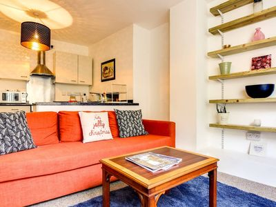 Photo for Lovely 2bed in trendy Hackney - 7 mins to station