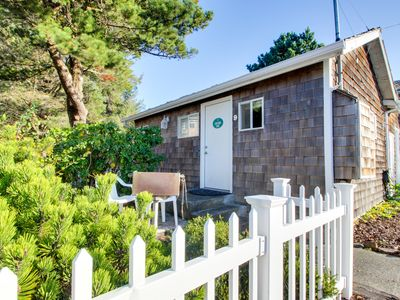Photo for Charming dog-friendly cottage one block from the beach & close to downtown!