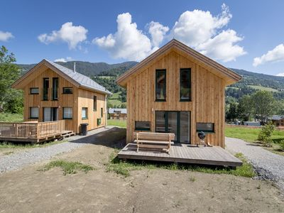Photo for Detached chalet with IR sauna, whirlpool and jacuzzi, directly by the piste