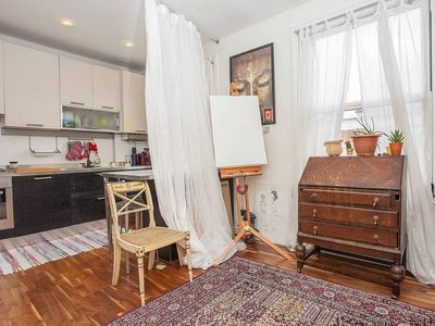 Photo for Fantastic 2-bedroom Flat near Notting Hill and Queen's Park