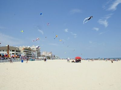 The beautiful wide beach at 5th street. Enjoy the kites from the kite loft!