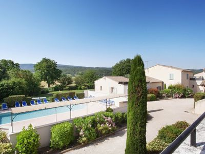 Photo for Rural holiday park with swimming pool near Bonnieux in Luberon