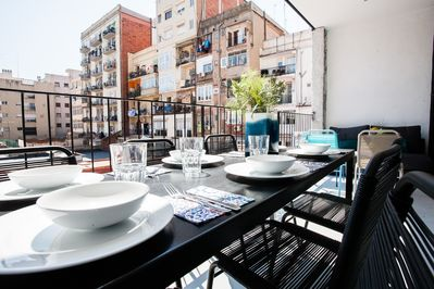 Identical terrace in the units 'private terrace', 'terrace suite' and penthouse