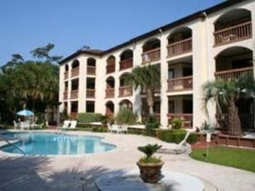 Secluded Ocean Resort Condo Walk To The Beach