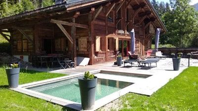 Photo for Character cottage with terrace and garden overlooking Mont Blanc and Chamonix