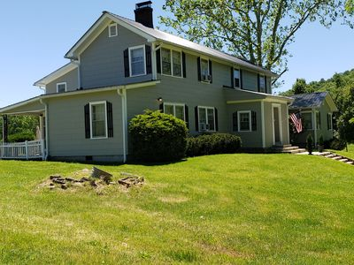 New River Gorge Bridge 8 bedrooms, hot tub, and private,  heated pool 18' x 34'.