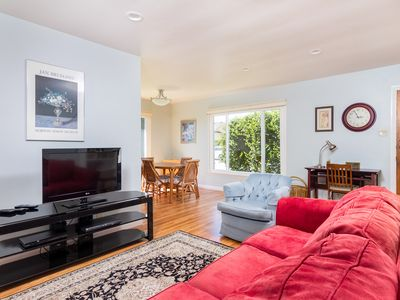 Photo for Beautifully Updated 2BR in Central Locale - 10 Minutes to Ventura Boardwalk!