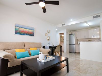 Photo for Thyssen apartment in Centro with WiFi, air conditioning, balcony & lift.