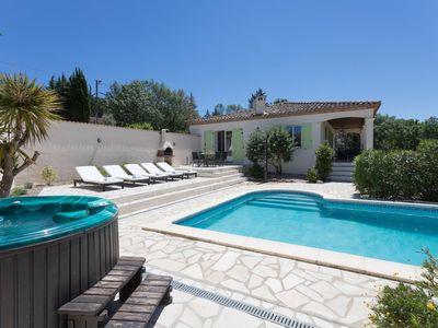 Photo for Spacious villa with heated swimming pool, Jacuzzi and complete privacy