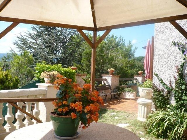 Spacious house with private pool and garden 5 km from the for Home salon saint laurent du var