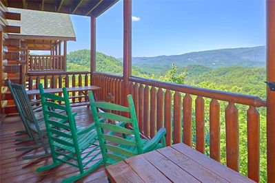 Rock on - Bring a beverage out onto a deck, kick back in a rocker, and watch falcons and eagles soar above the mountains as the crisp breeze rustles through the trees. Relaxation is practically guaranteed.