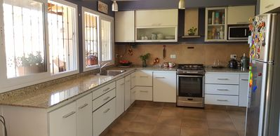 Photo for Beautiful and comfortable house with fireplace, barbecue, gallery, patio and garage