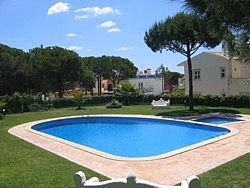 Photo for 3 Bedroom Townhouse With Large Pool