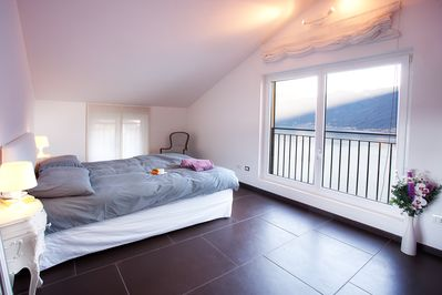 A bed with a view please